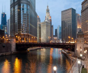 chicago river and skyline1