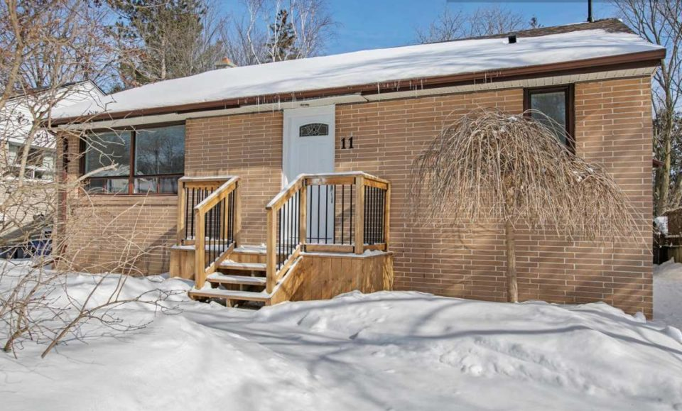 House For Sale in Barrie Ontario